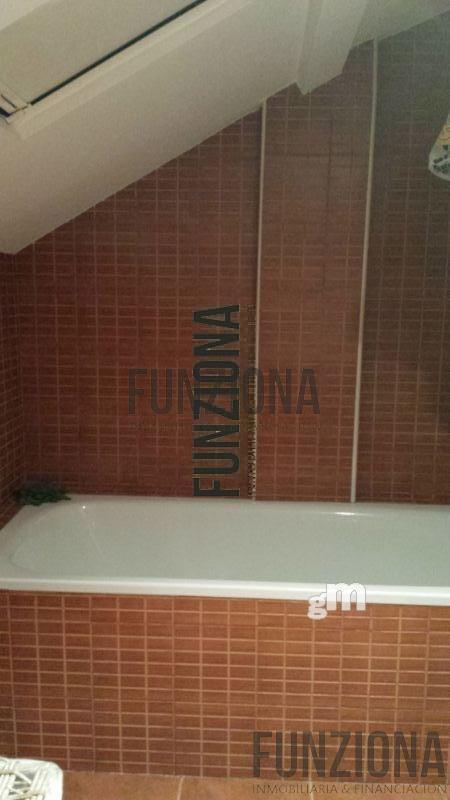 For sale of penthouse in Pontevedra