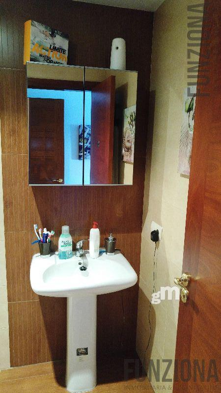 For sale of flat in Poio