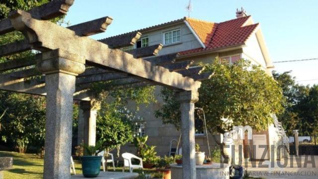 Venta de chalet en Pontevedra
