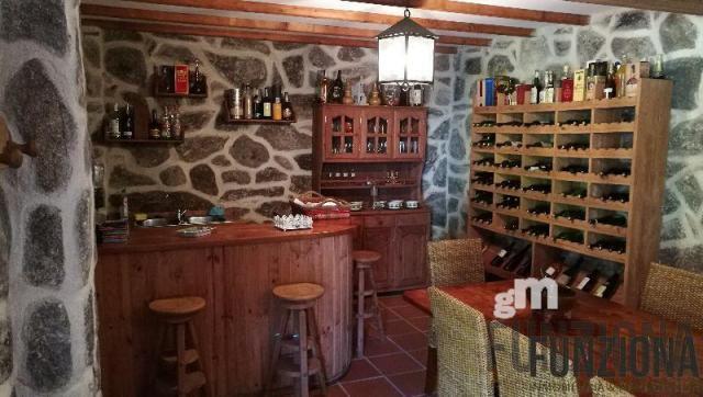For sale of chalet in Pontevedra