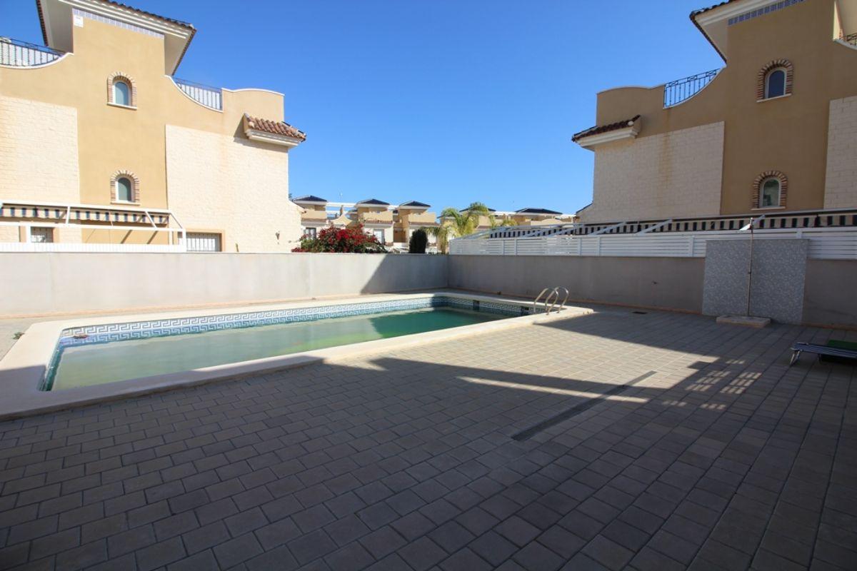 For sale of duplex in Pilar de la Horadada