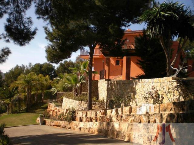 For sale of chalet in Calvia