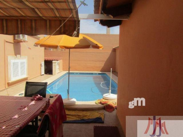 For sale of chalet in El Arenal