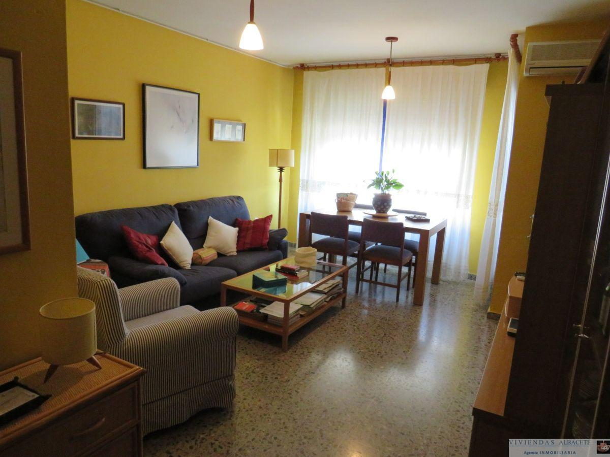 For sale of apartment in Albacete