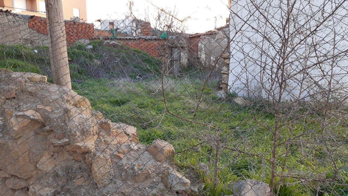 For sale of land in Castellanos de Moriscos
