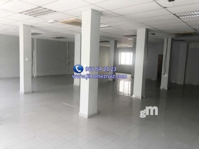 For rent of commercial in Puerto Real