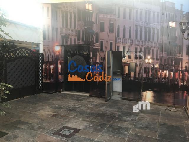 Venta de local comercial en Rota