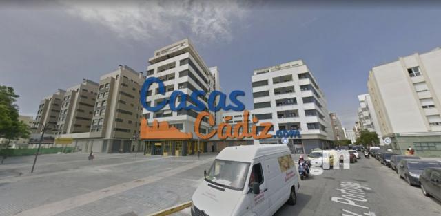 For sale of garage in Cádiz
