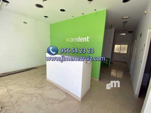 For rent of commercial in El Puerto de Santa María