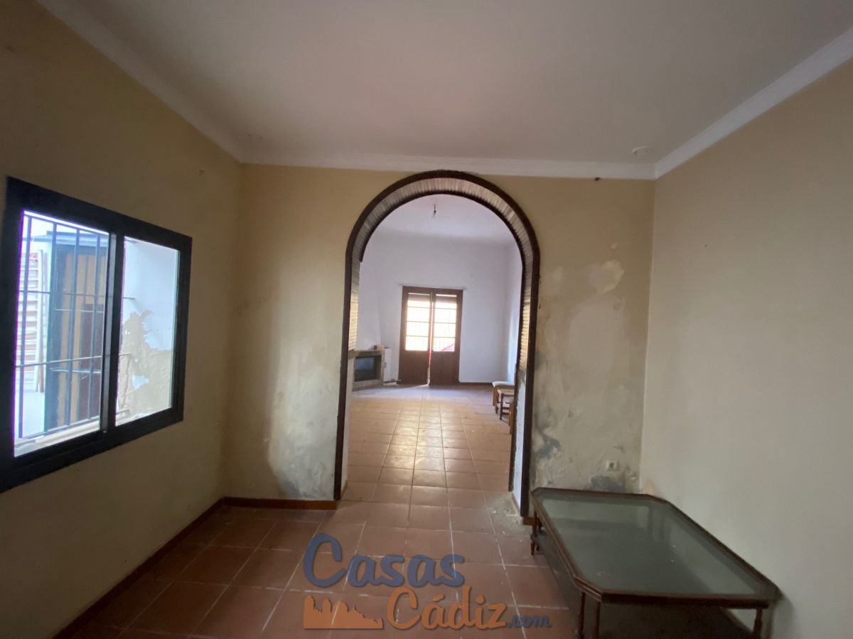 For sale of chalet in Chipiona