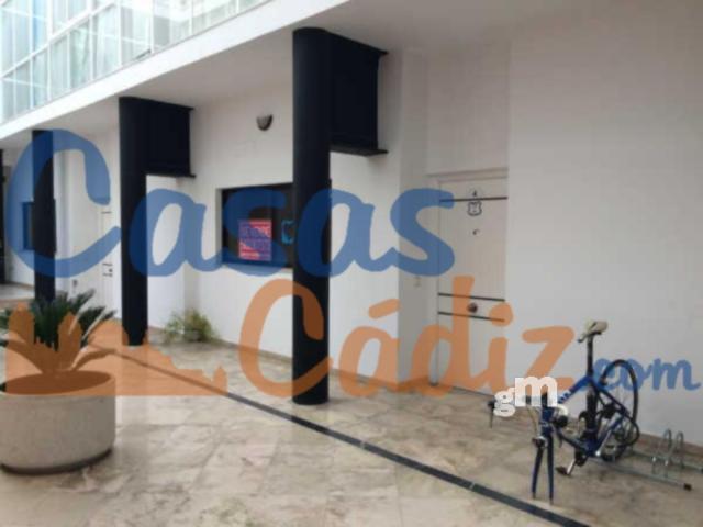 For sale of office in Cádiz