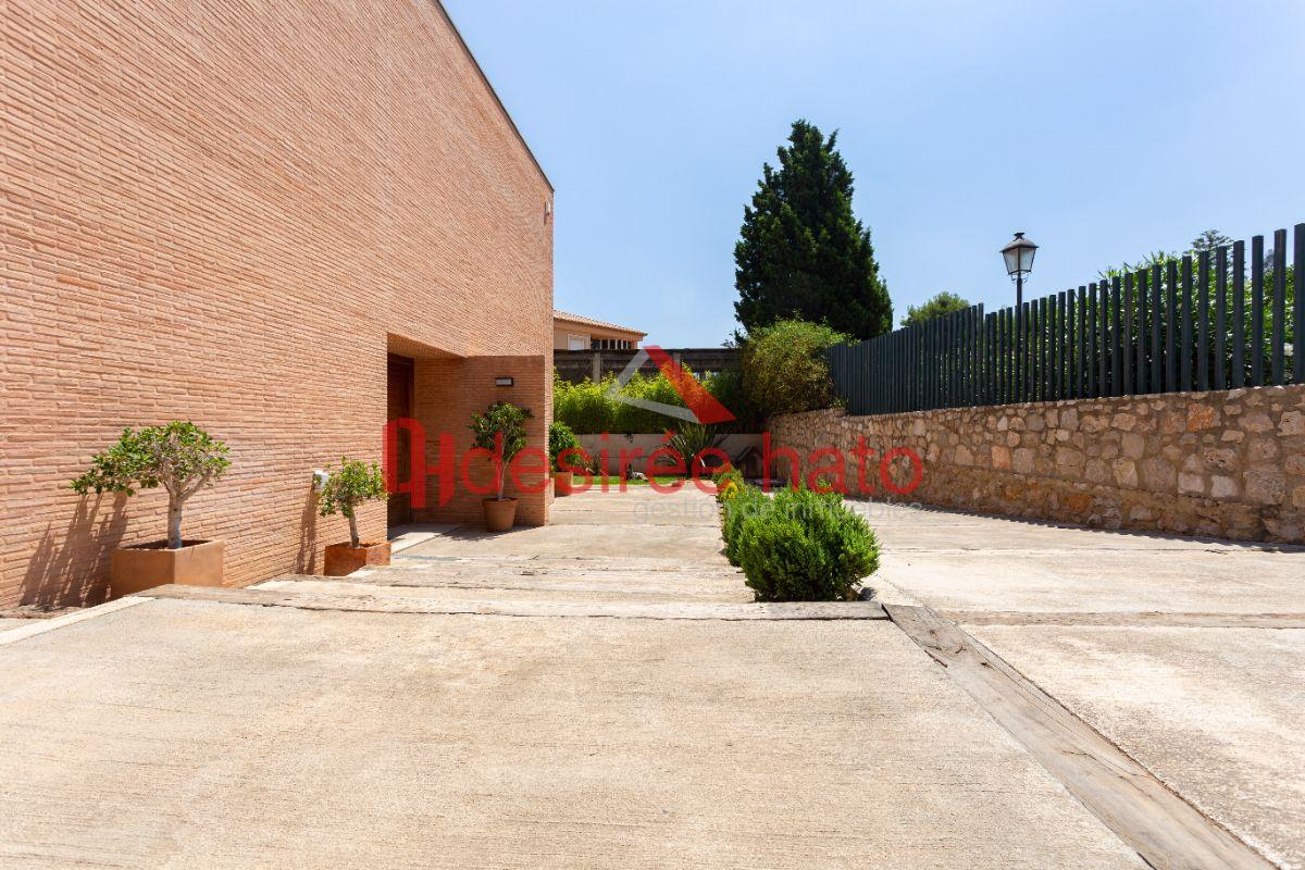 For sale of chalet in Rocafort