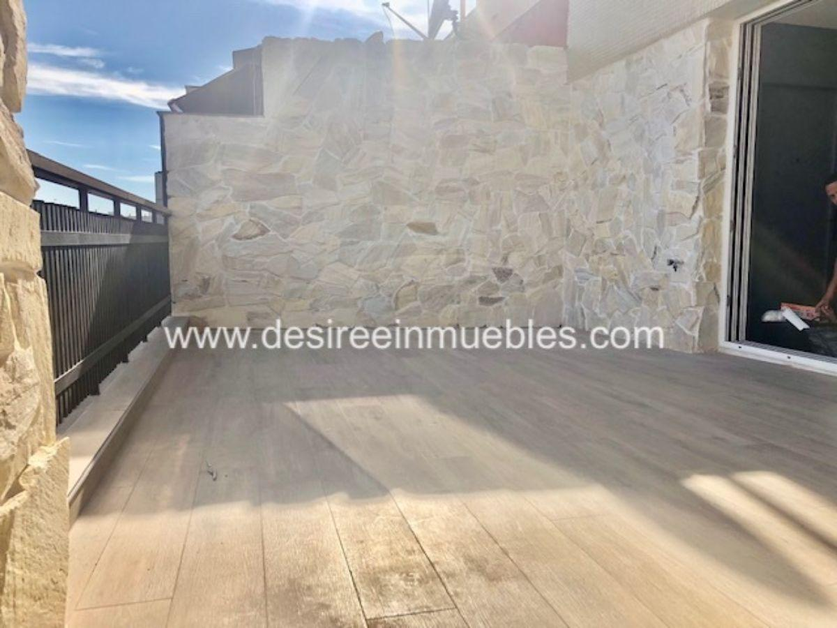 For rent of penthouse in Valencia