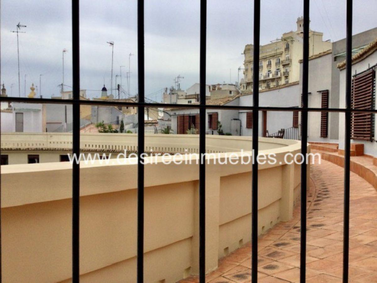For sale of building in Valencia