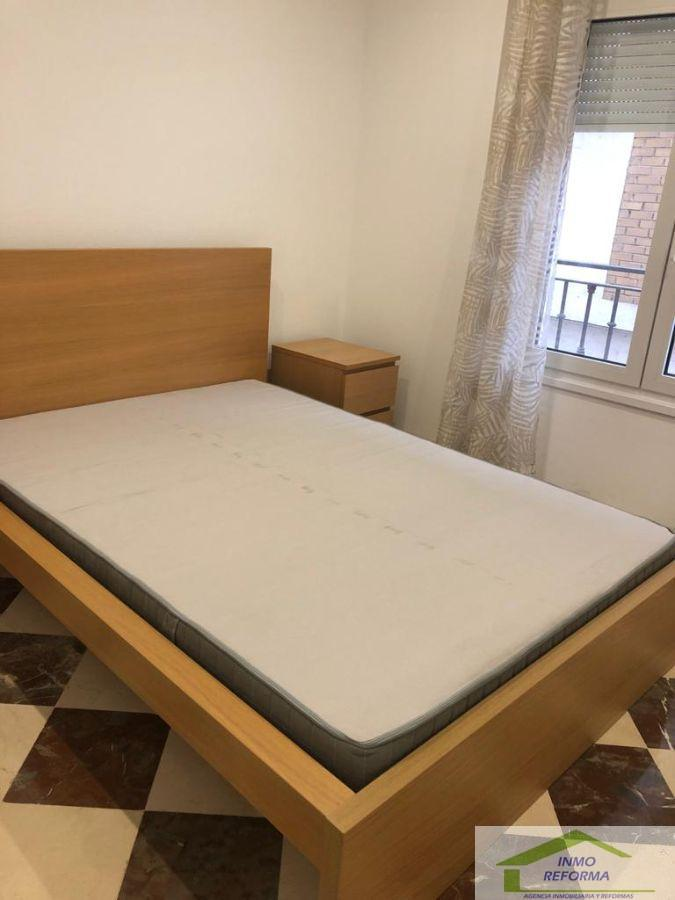 For rent of flat in Cenes de la Vega