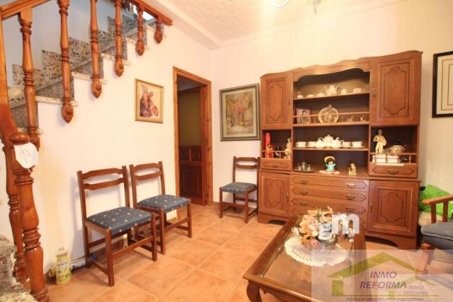 For sale of house in Albuñuelas