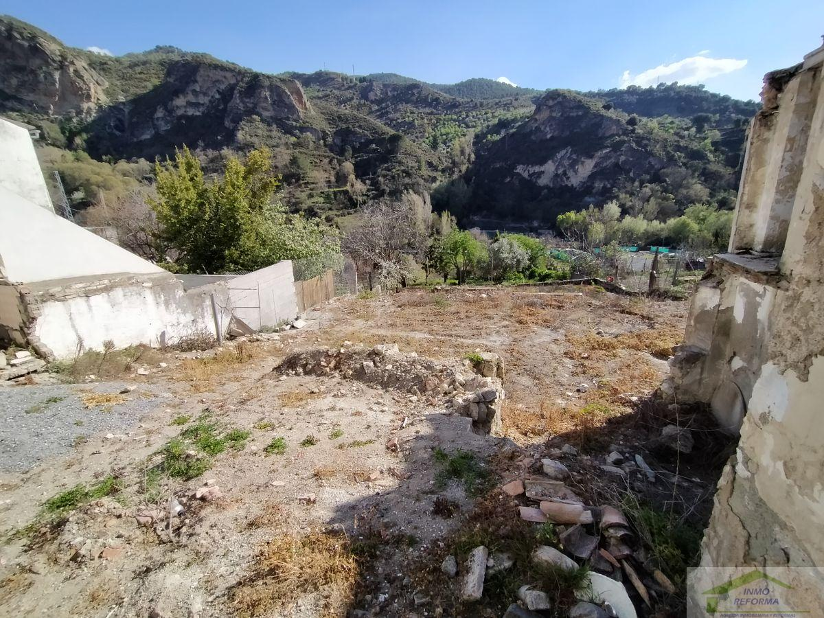 For sale of land in Quéntar
