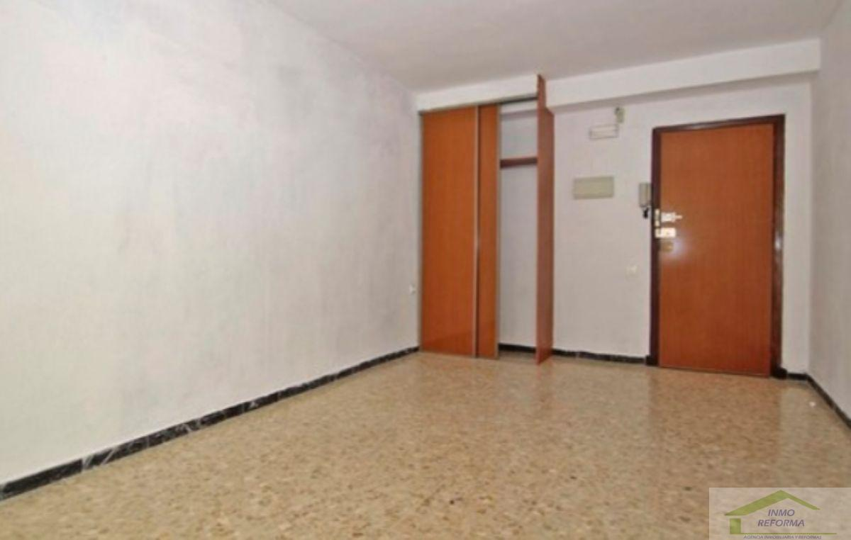 For rent of office in Granada