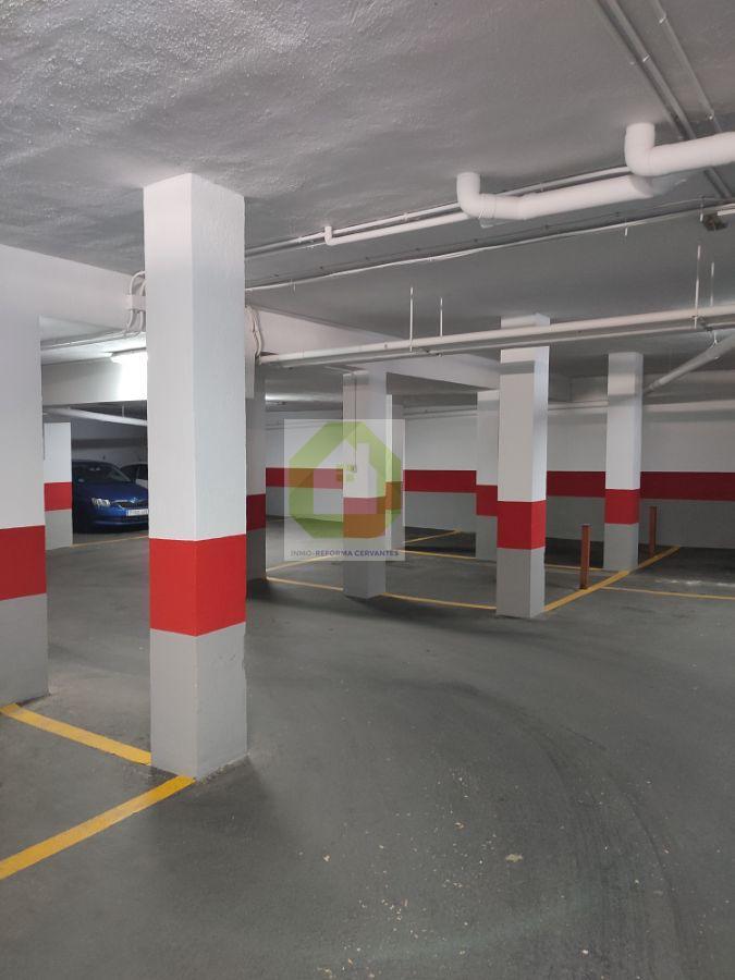 Alquiler de garaje en Granada