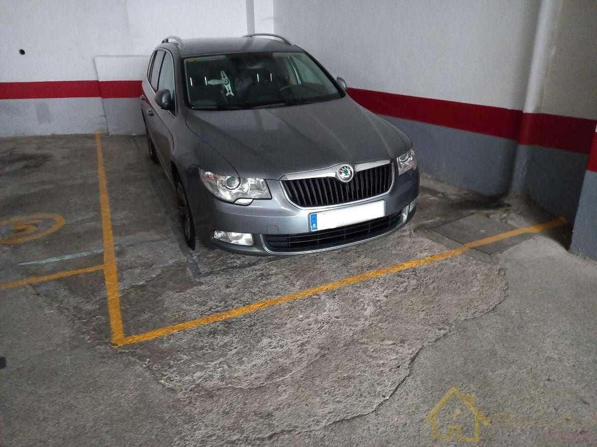 For sale of garage in Lugo
