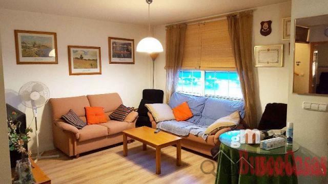 For sale of duplex in Algezares