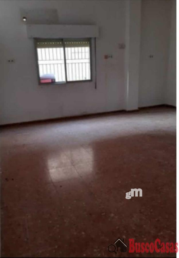 For rent of commercial in Patiño