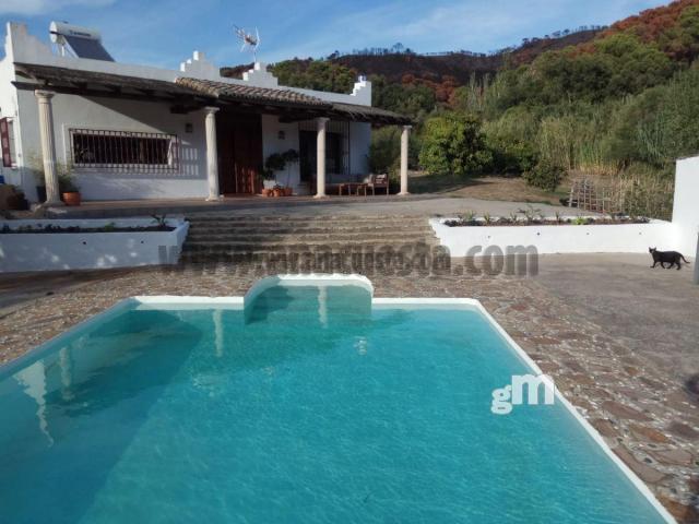 For sale of rural property in Estepona