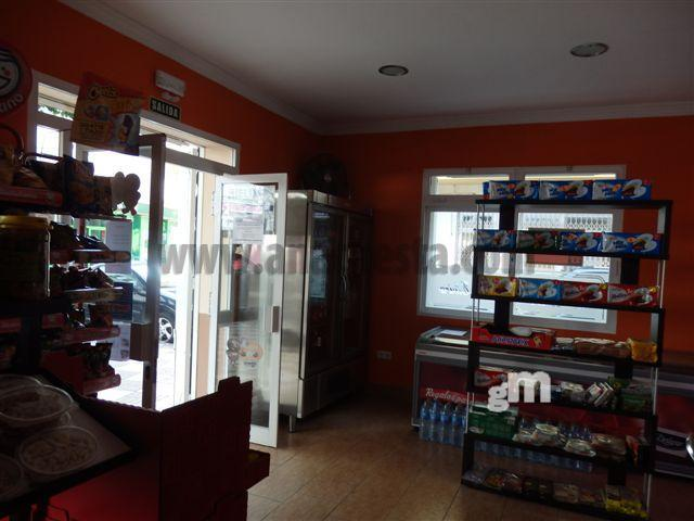 For rent of commercial in Estepona