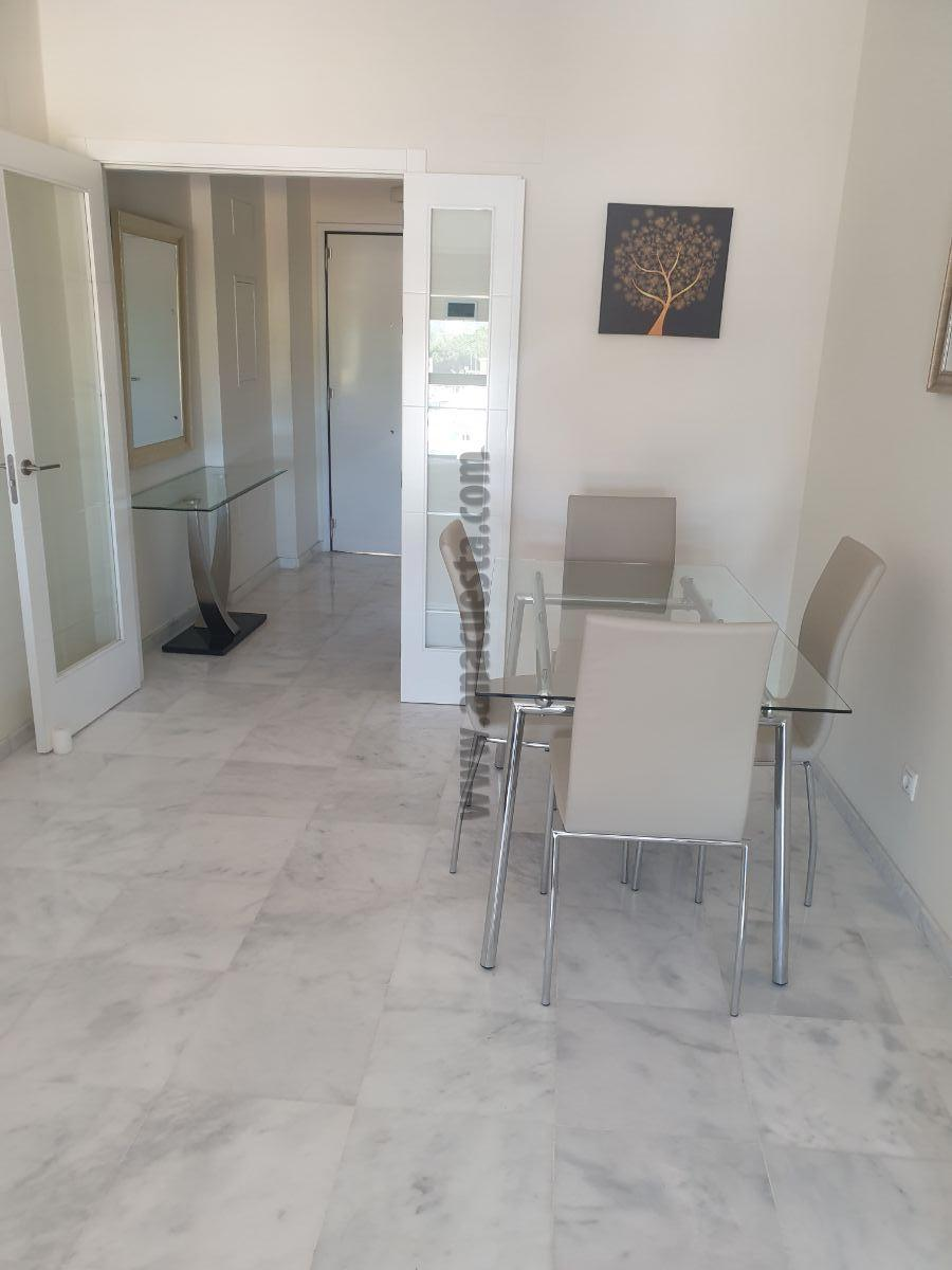 For rent of penthouse in Estepona