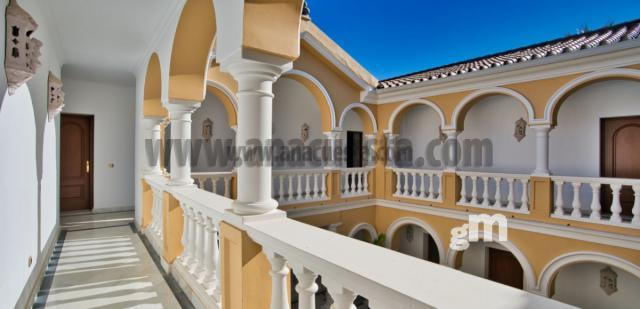 Venta de villa en Estepona