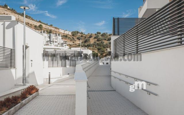 For sale of apartment in Benahavís