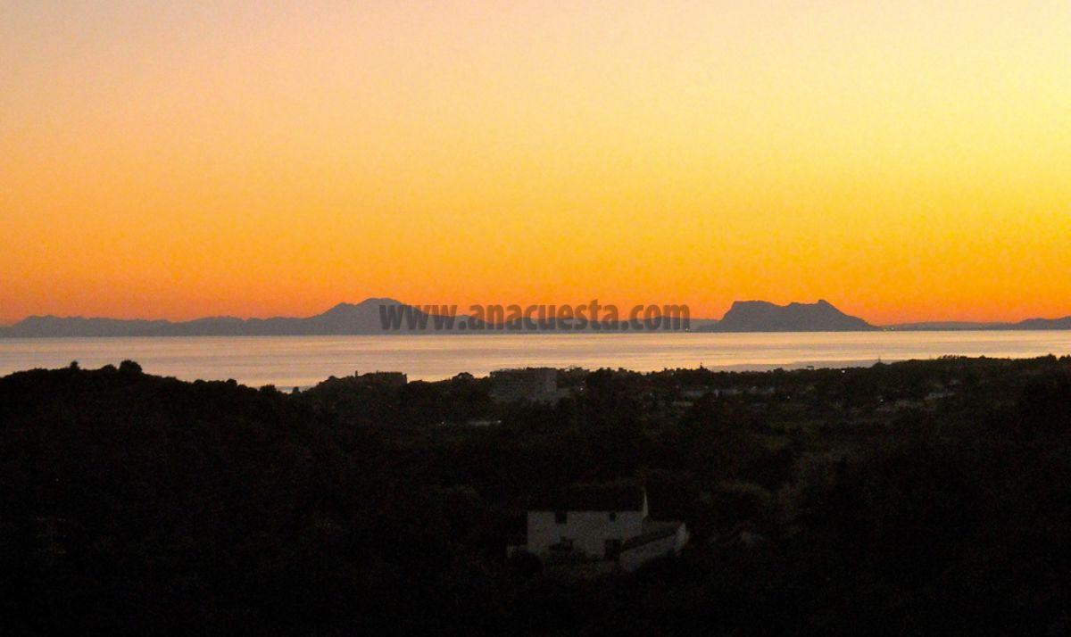 For sale of land in Estepona
