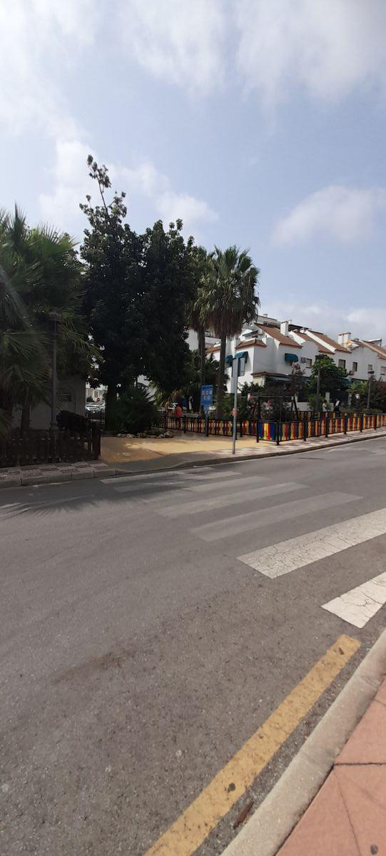 For sale of commercial in Estepona