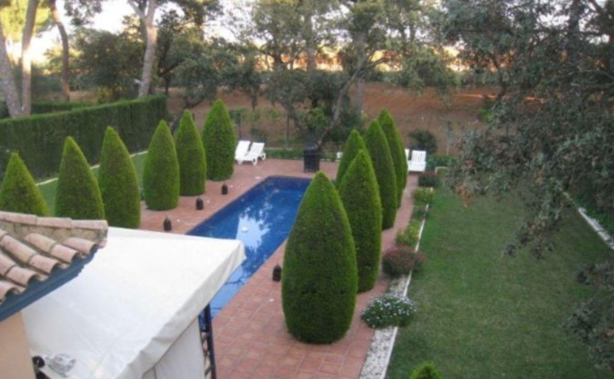 For sale of chalet in Bollullos de la Mitación