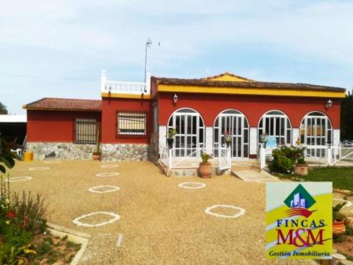 For sale of chalet in Mairena del Aljarafe