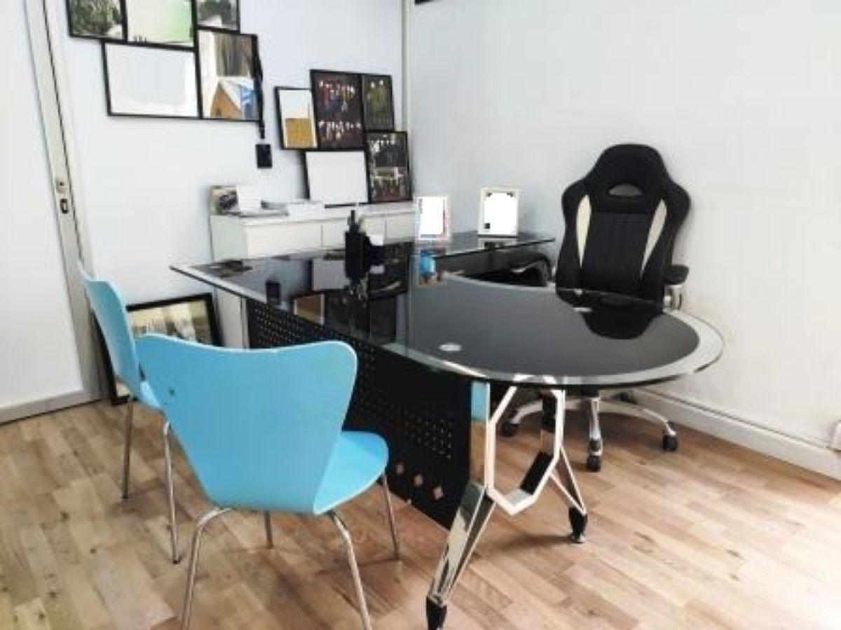 For rent of office in Tomares
