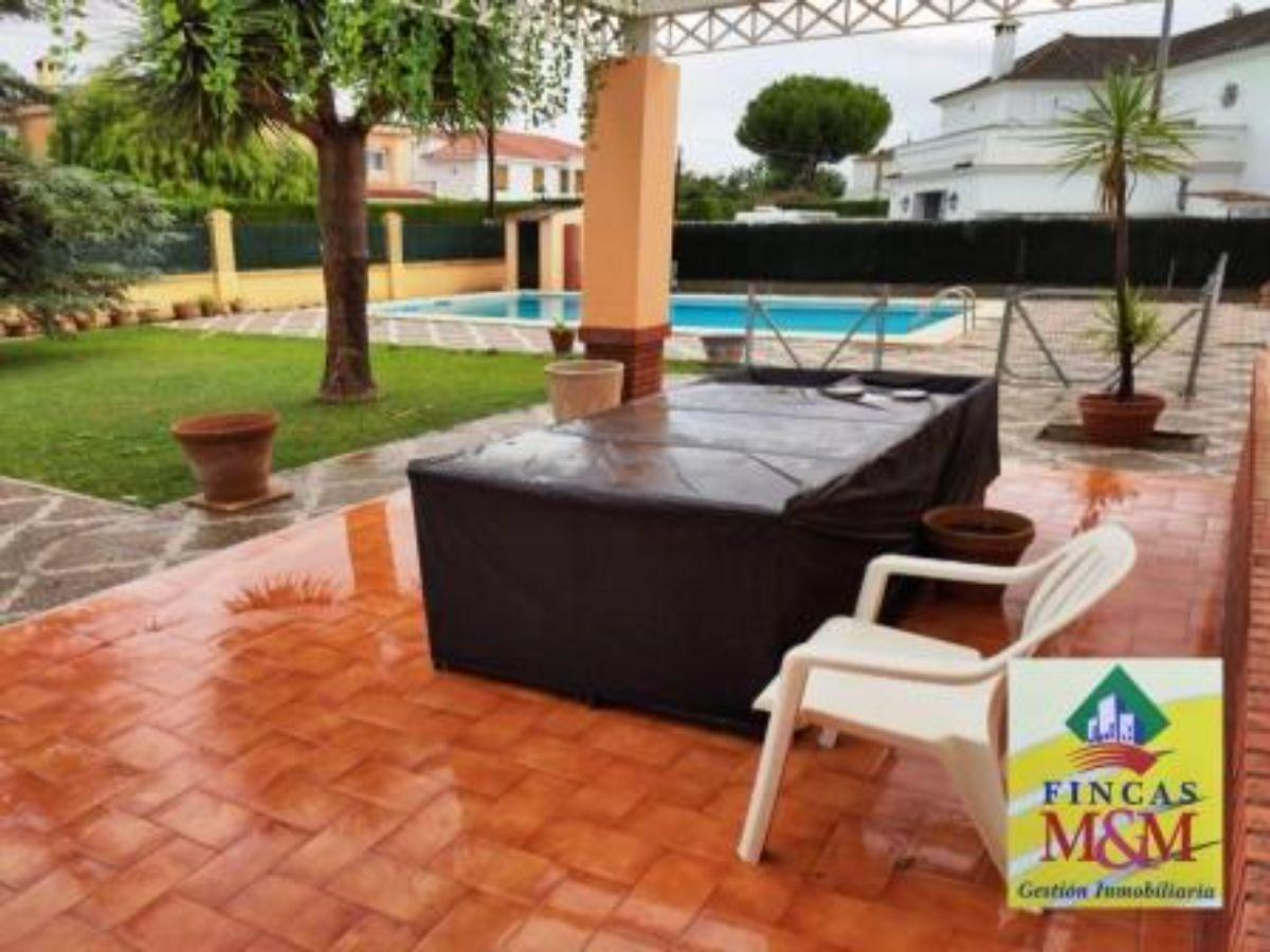 For rent of chalet in Espartinas