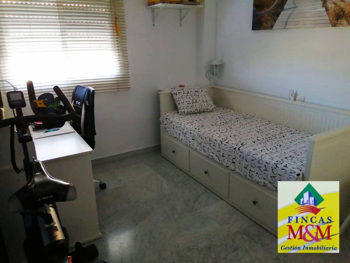 For sale of flat in Bormujos
