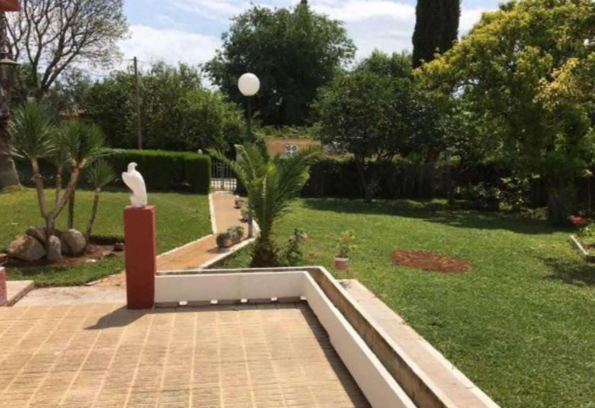 For sale of chalet in Espartinas