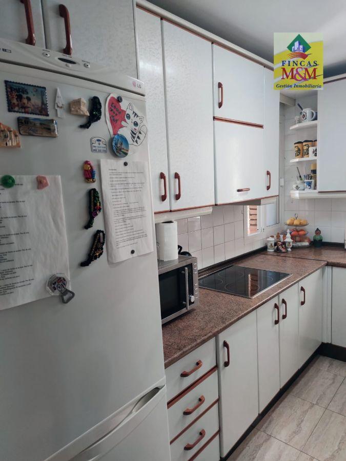 For sale of flat in Castilleja de la Cuesta