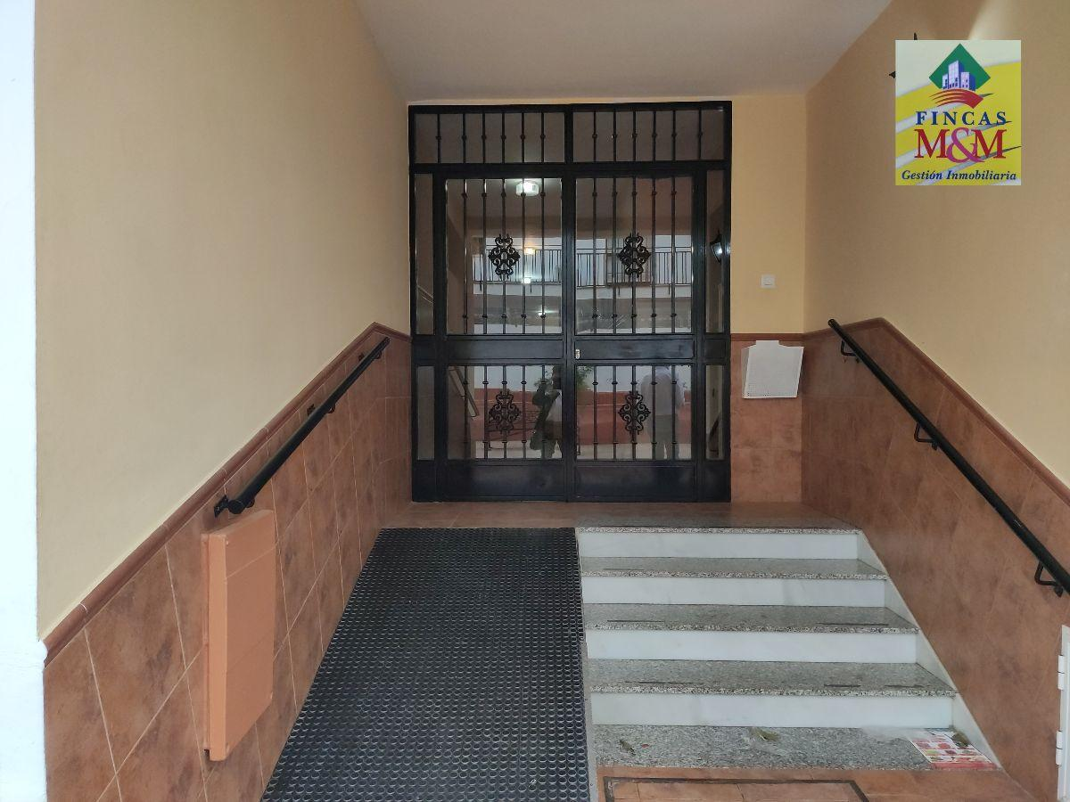 For sale of ground floor in Castilleja de la Cuesta