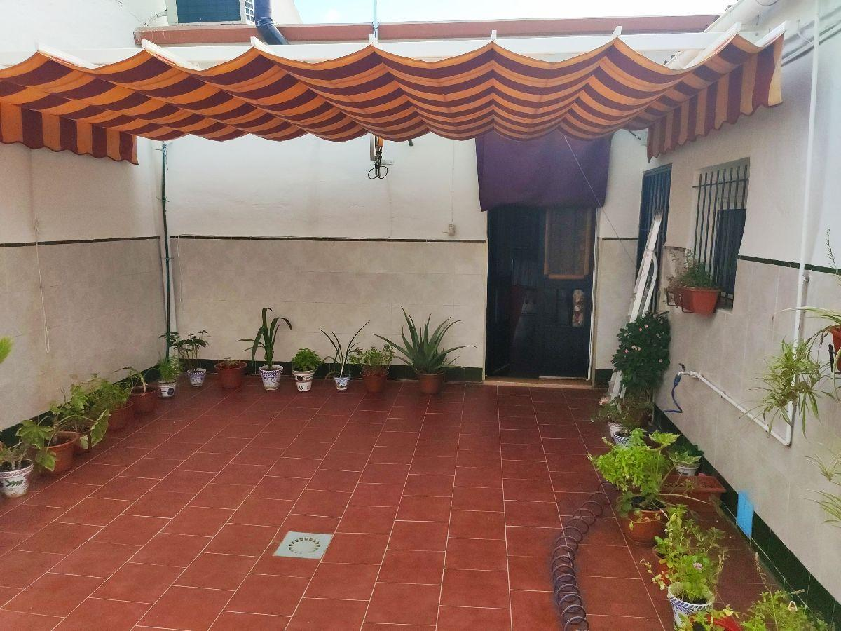For sale of house in Pilas