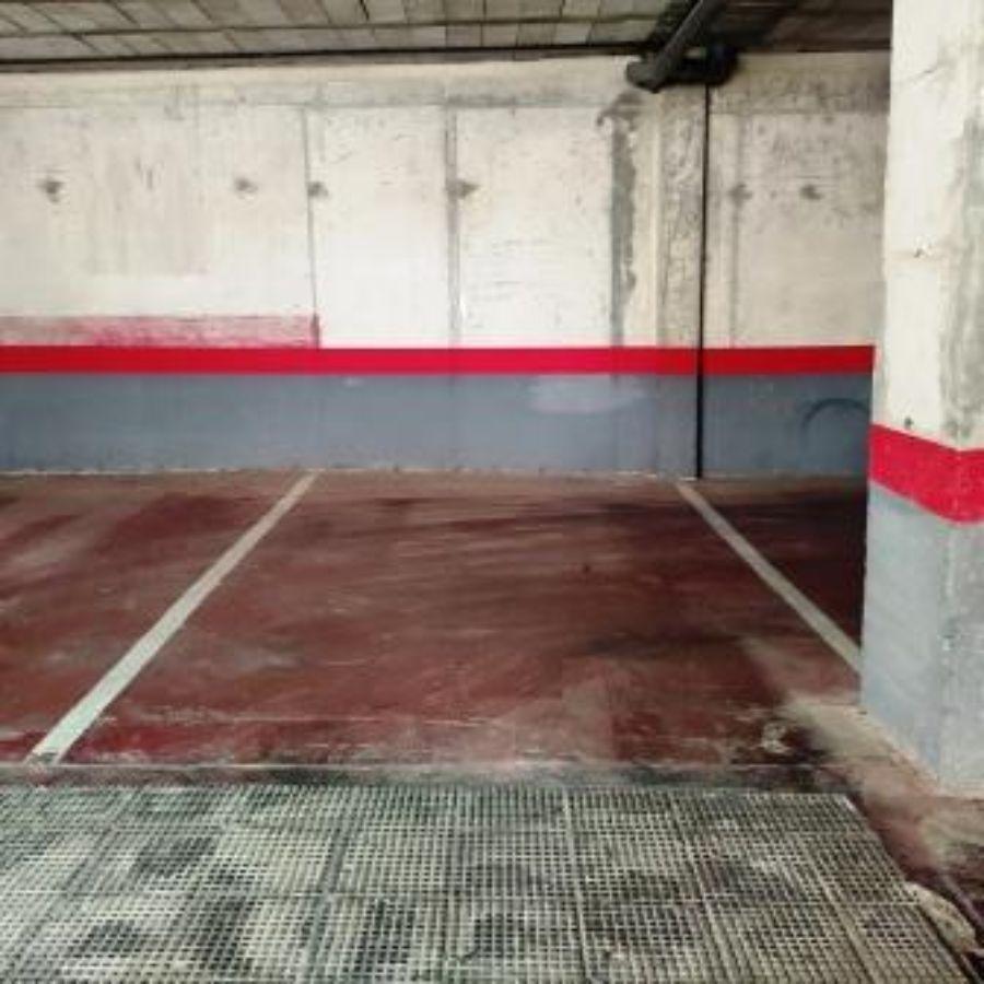 For rent of garage in Bormujos