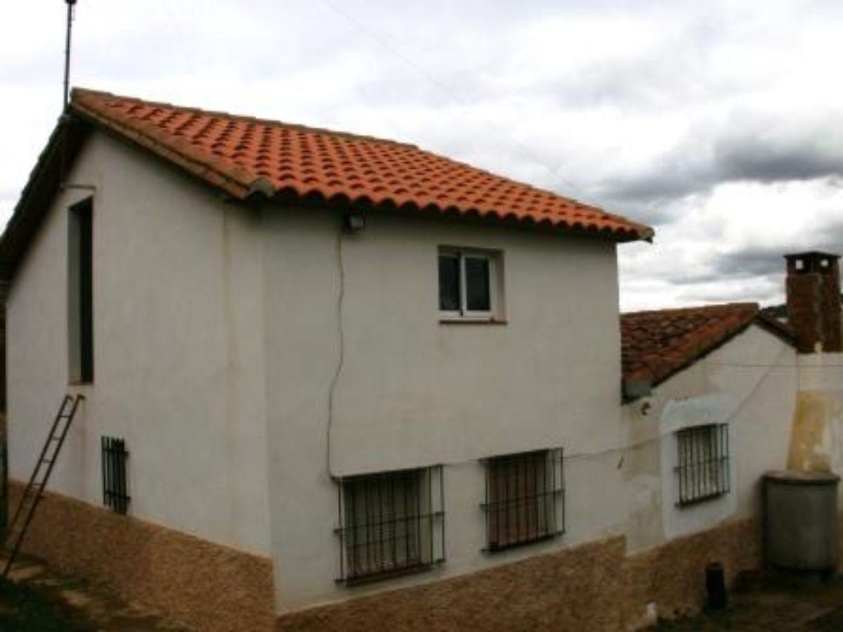 Venta de finca rústica en Fuentes de León