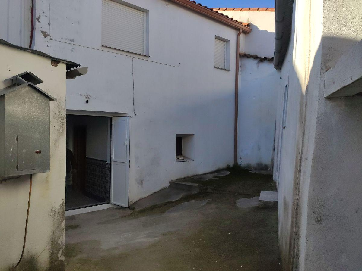 For sale of house in Cabeza la Vaca