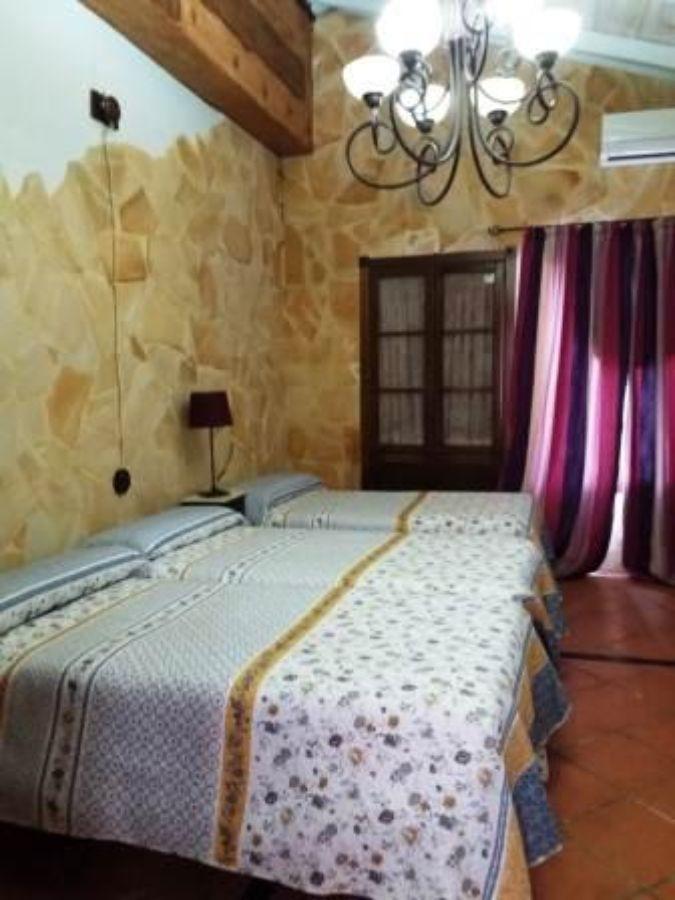 Venta de hotel en Arroyomolinos de León