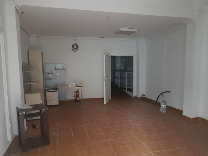 For rent of commercial in San Juan de Aznalfarache