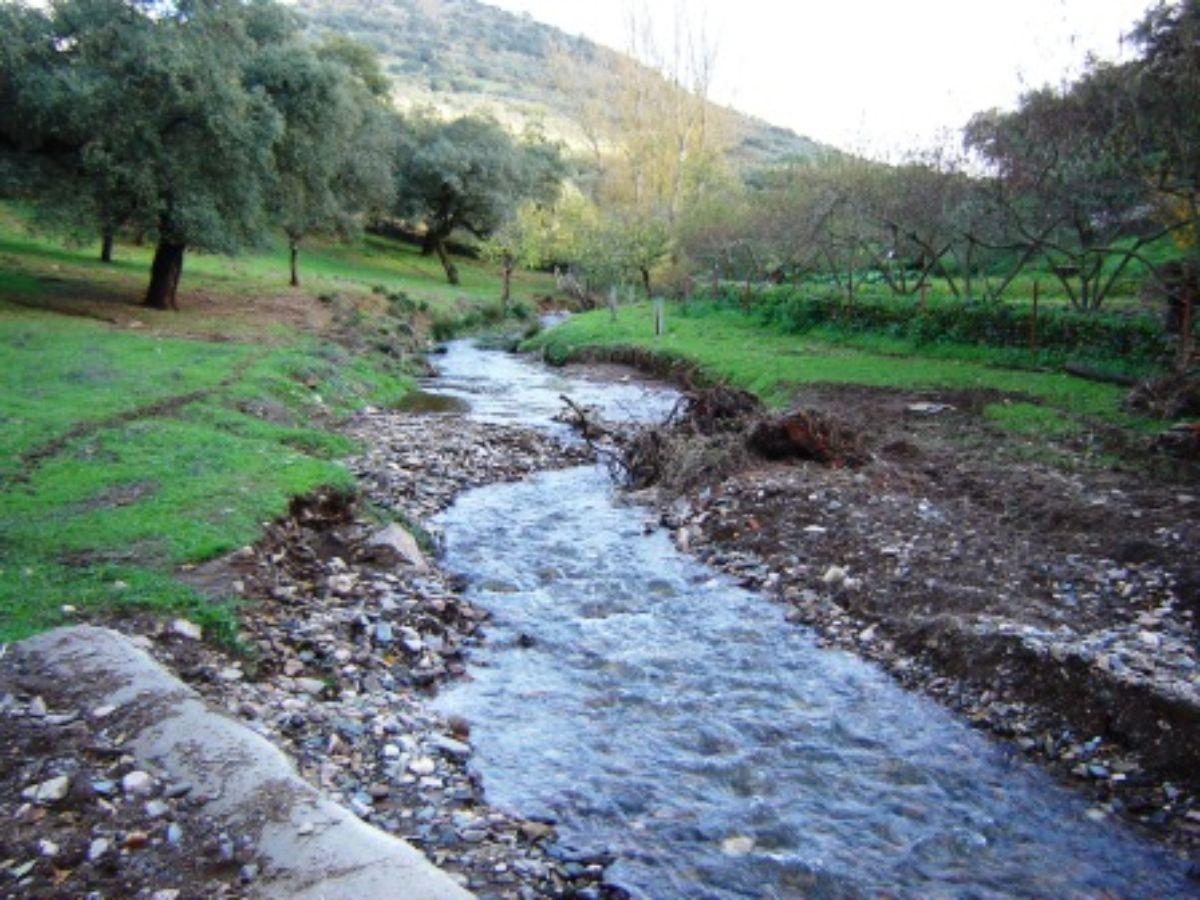 For sale of rural property in Cabeza la Vaca