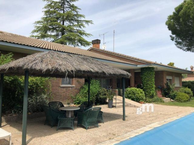For sale of house in Boadilla del Monte