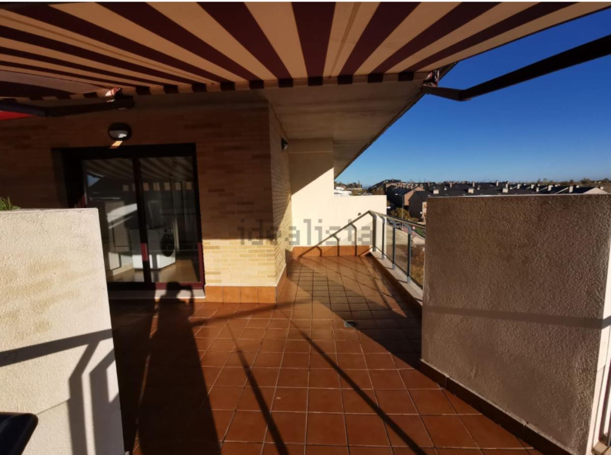 For sale of duplex in Boadilla del Monte